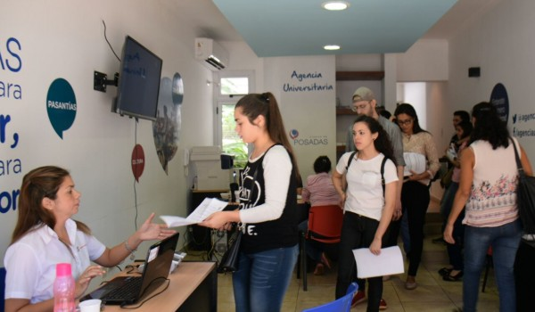 Más de 1500 estudiantes tramitaron el Boleto Educativo Gratuito Misionero en el Punto SUBE de la Agencia Universitaria